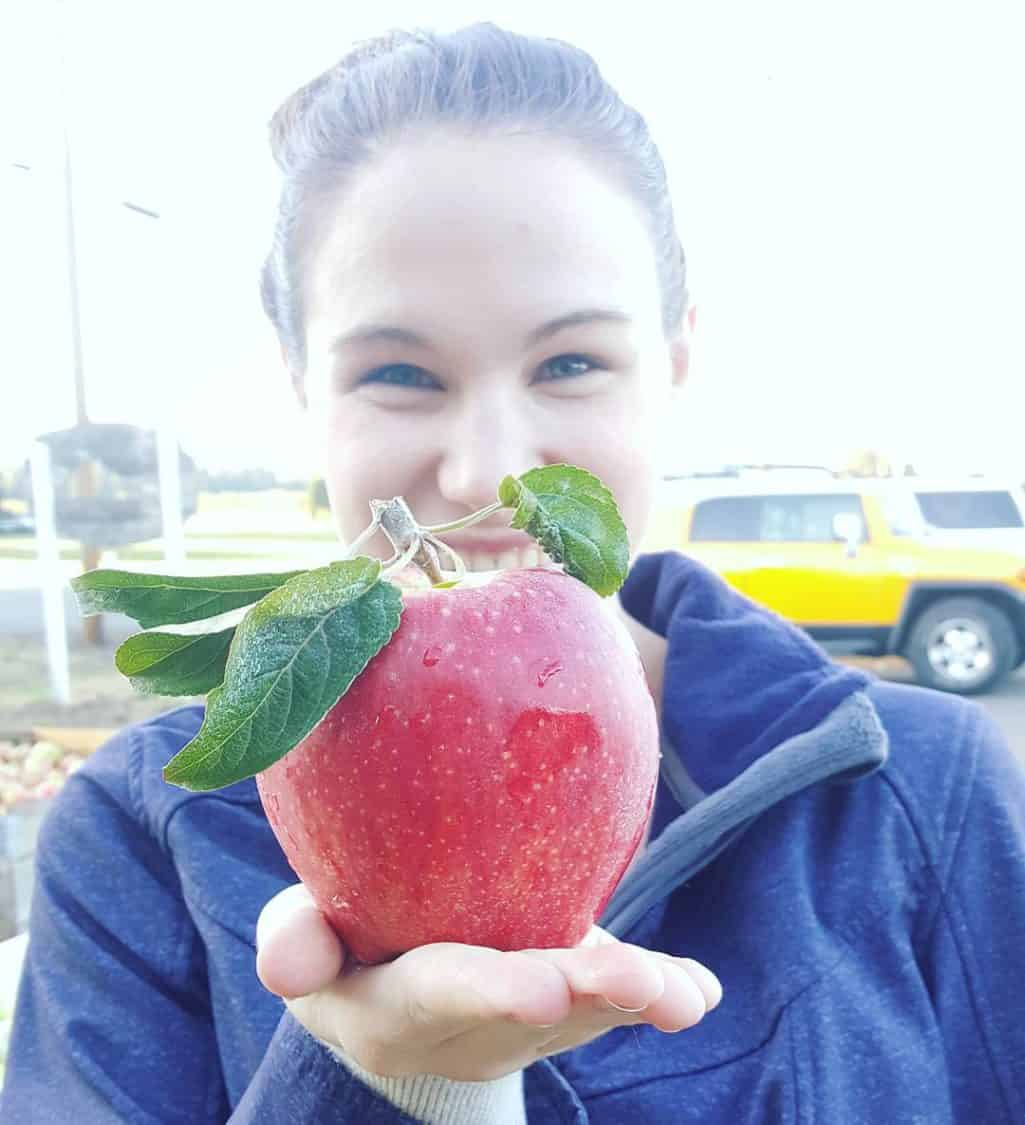 Apples apples apples galore!    hoodriveroregon hoodriver hoodriverfruitloophellip